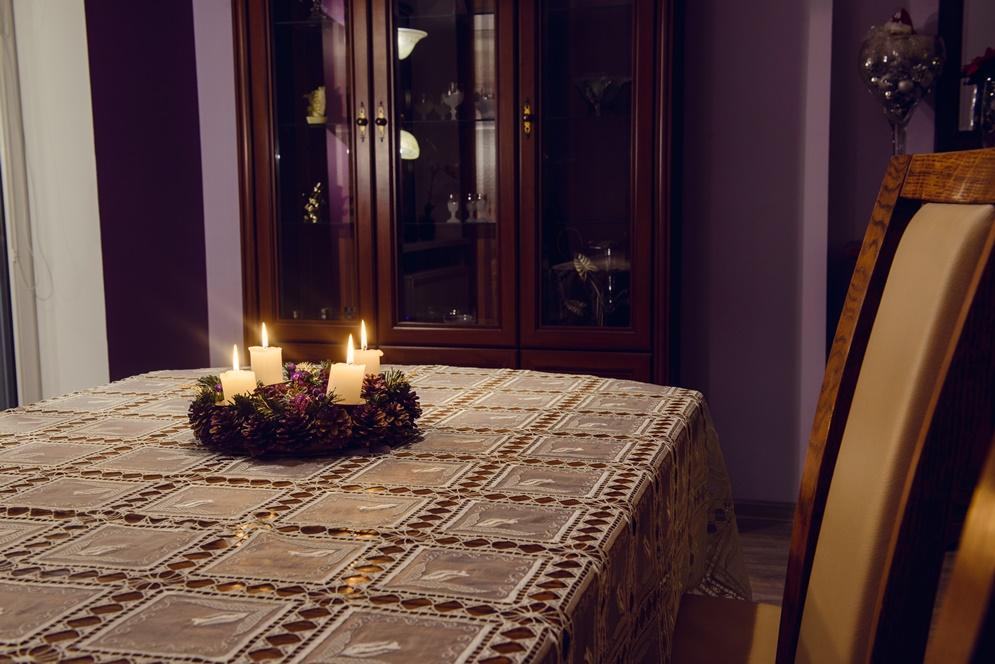 Szczecin stół salon apartament świeczki